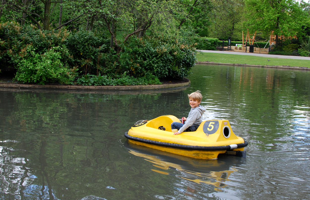 children's pedal boats in Regent's Park London