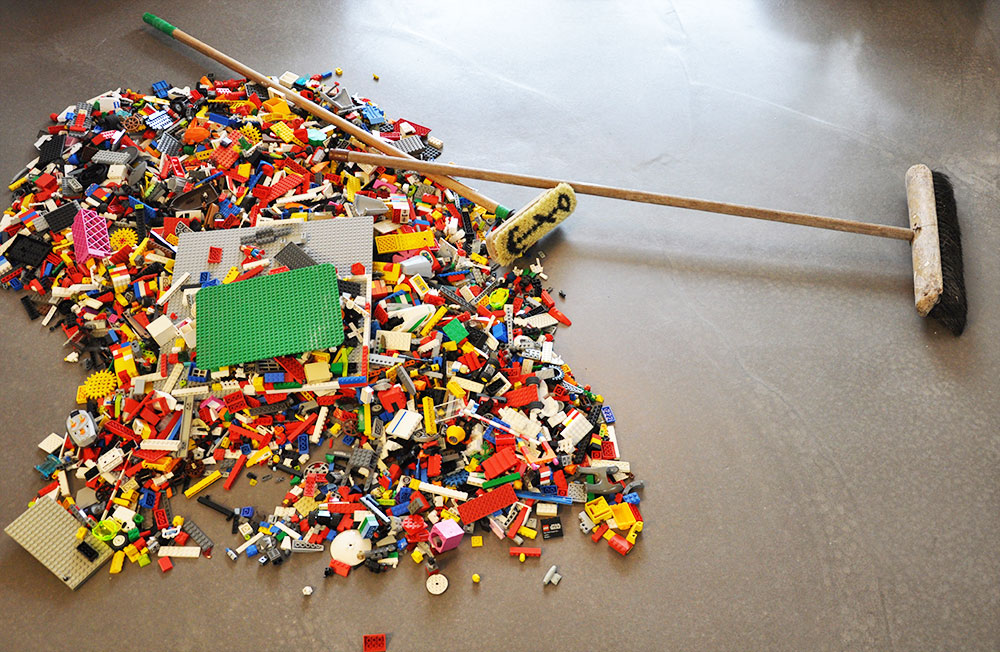 Lego_party_cleanup