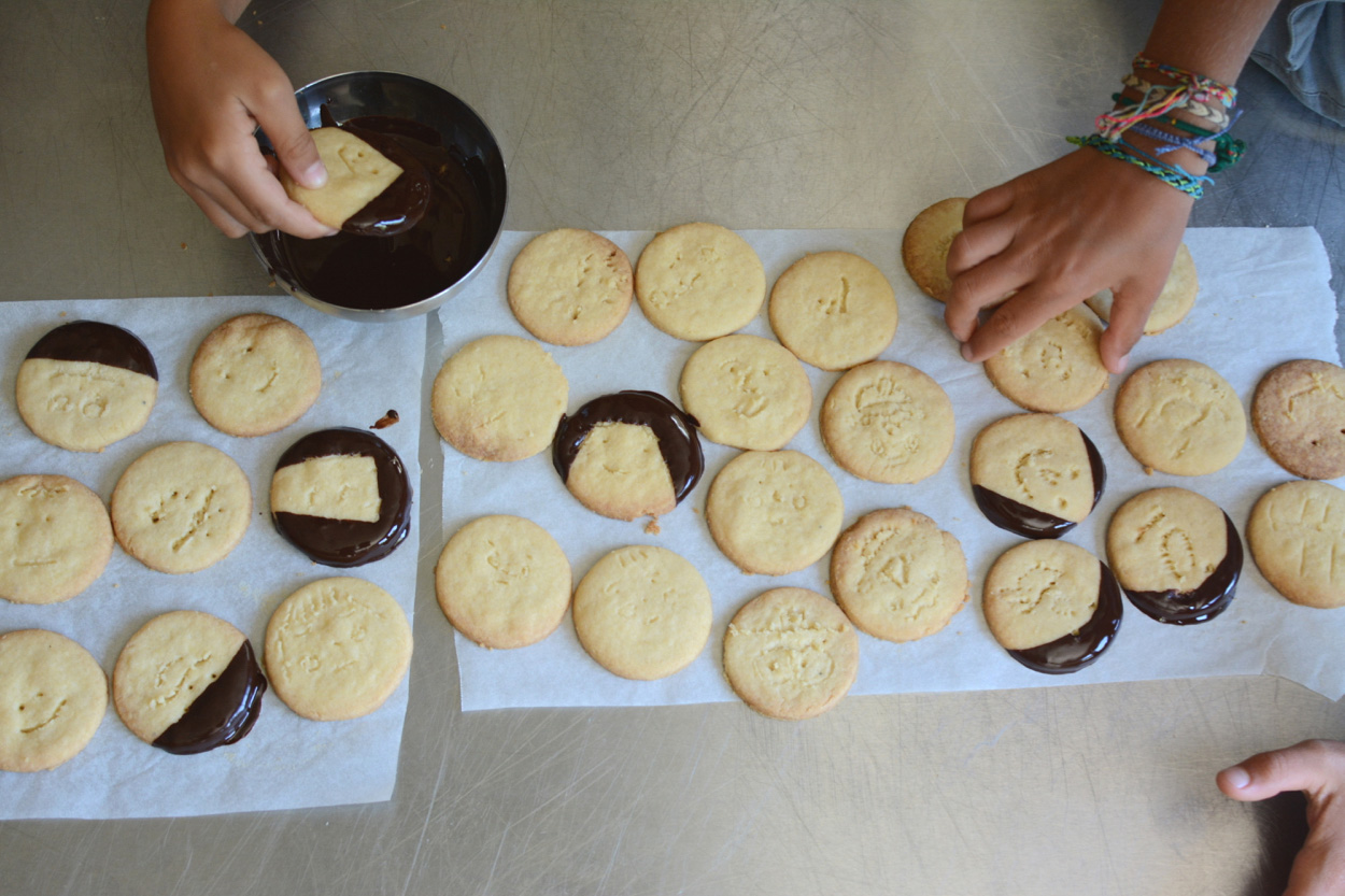 dipping cookies2