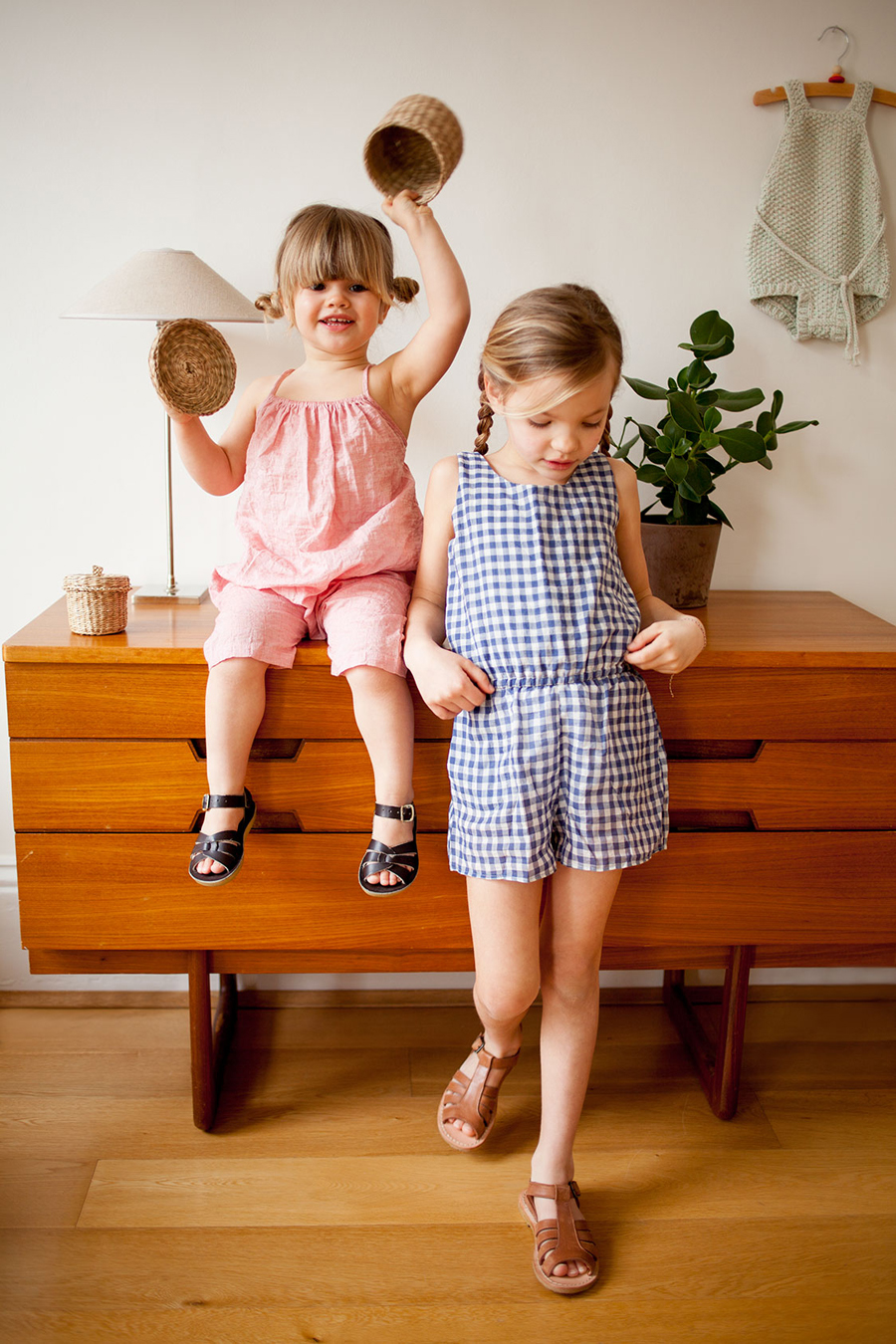 Ivy and Marlow in Soor Ploom