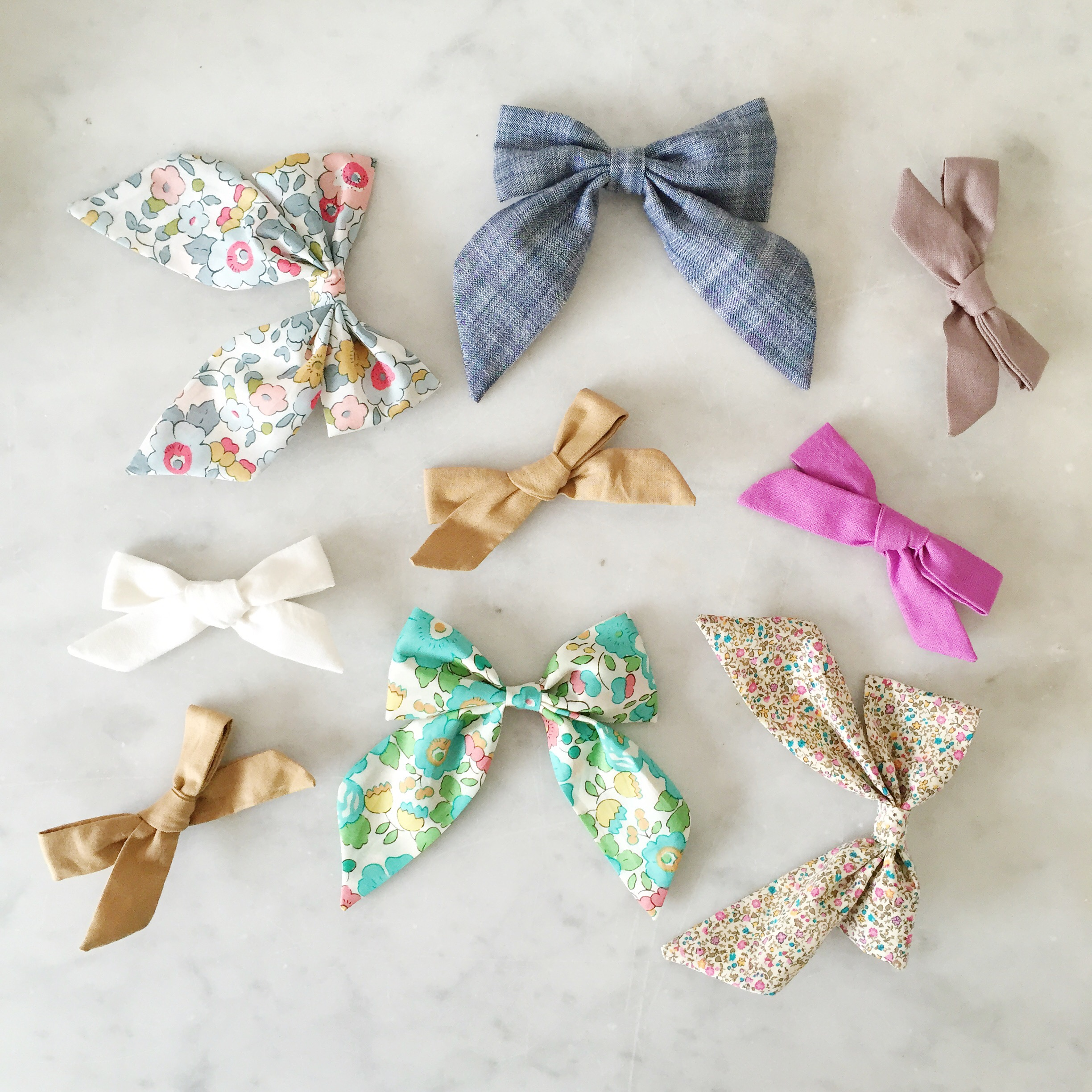 hair bows from FreeBabes