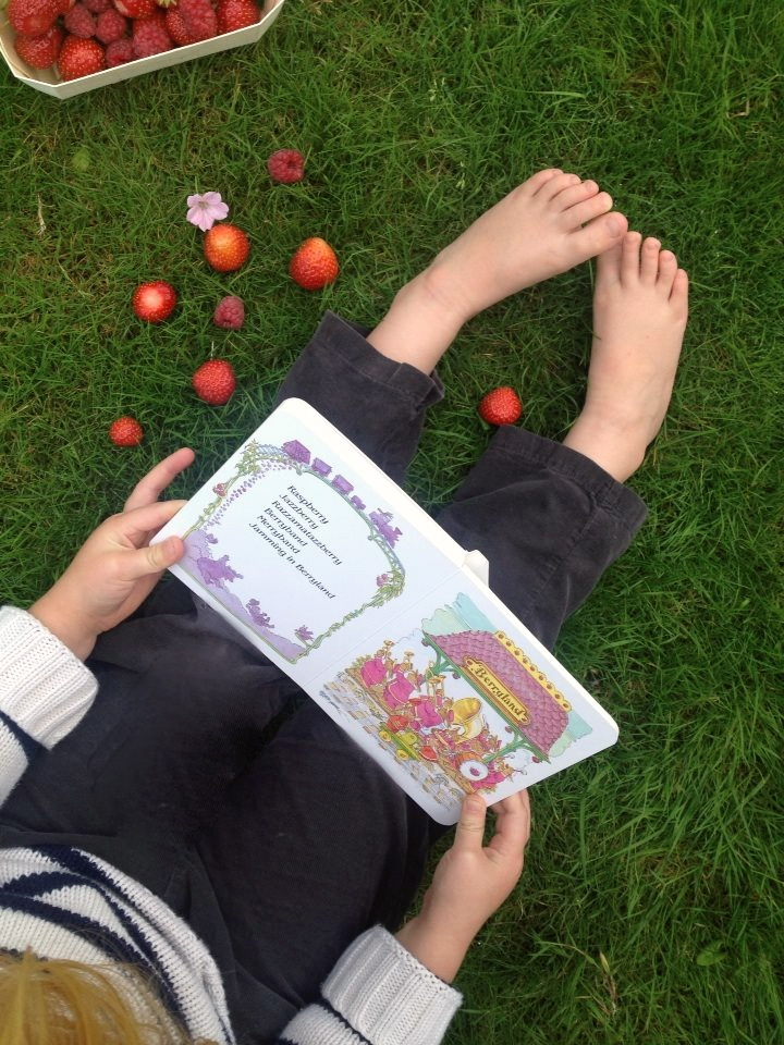 reading and eating berries
