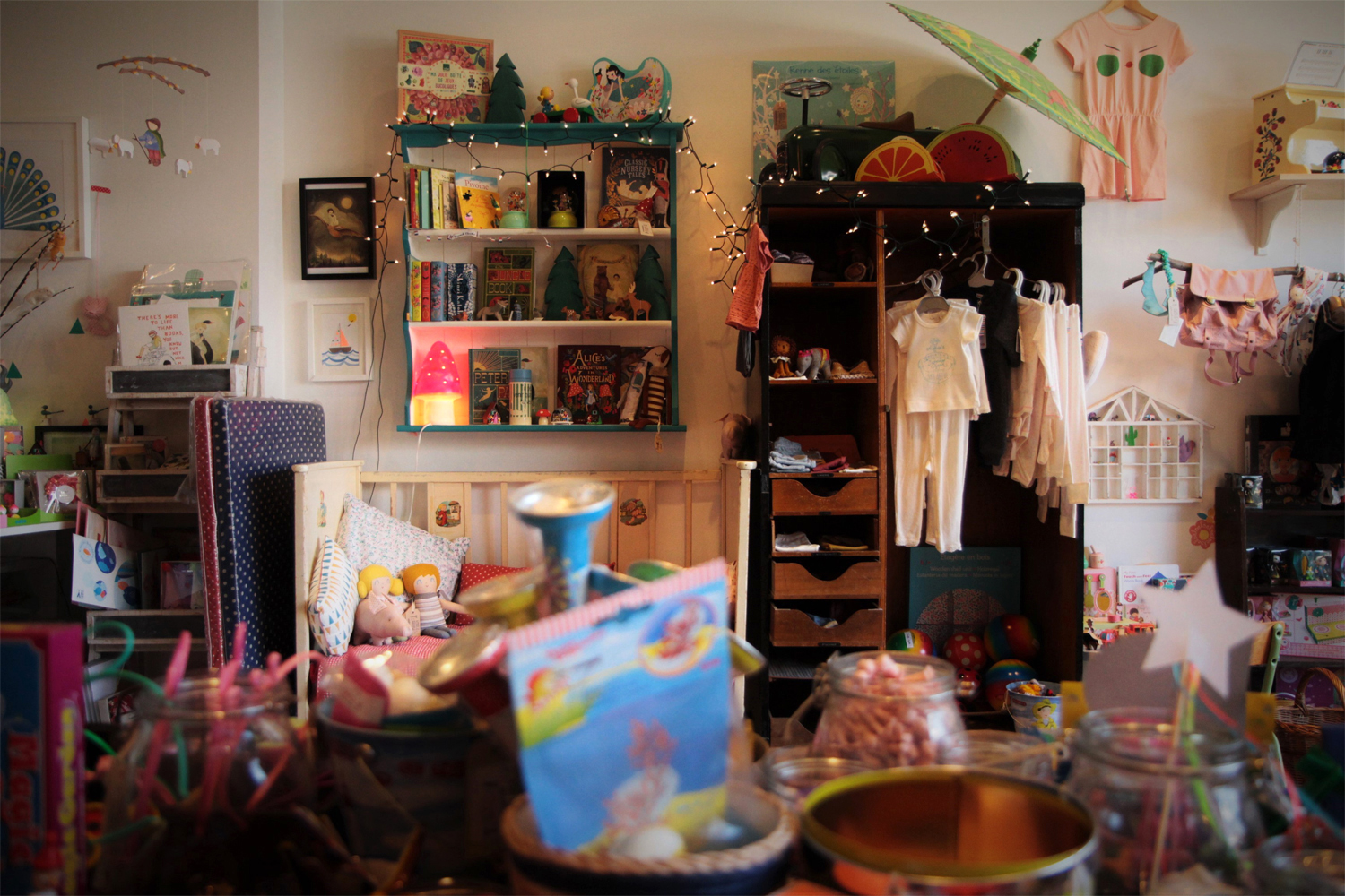 Niddle Noddle shop interior