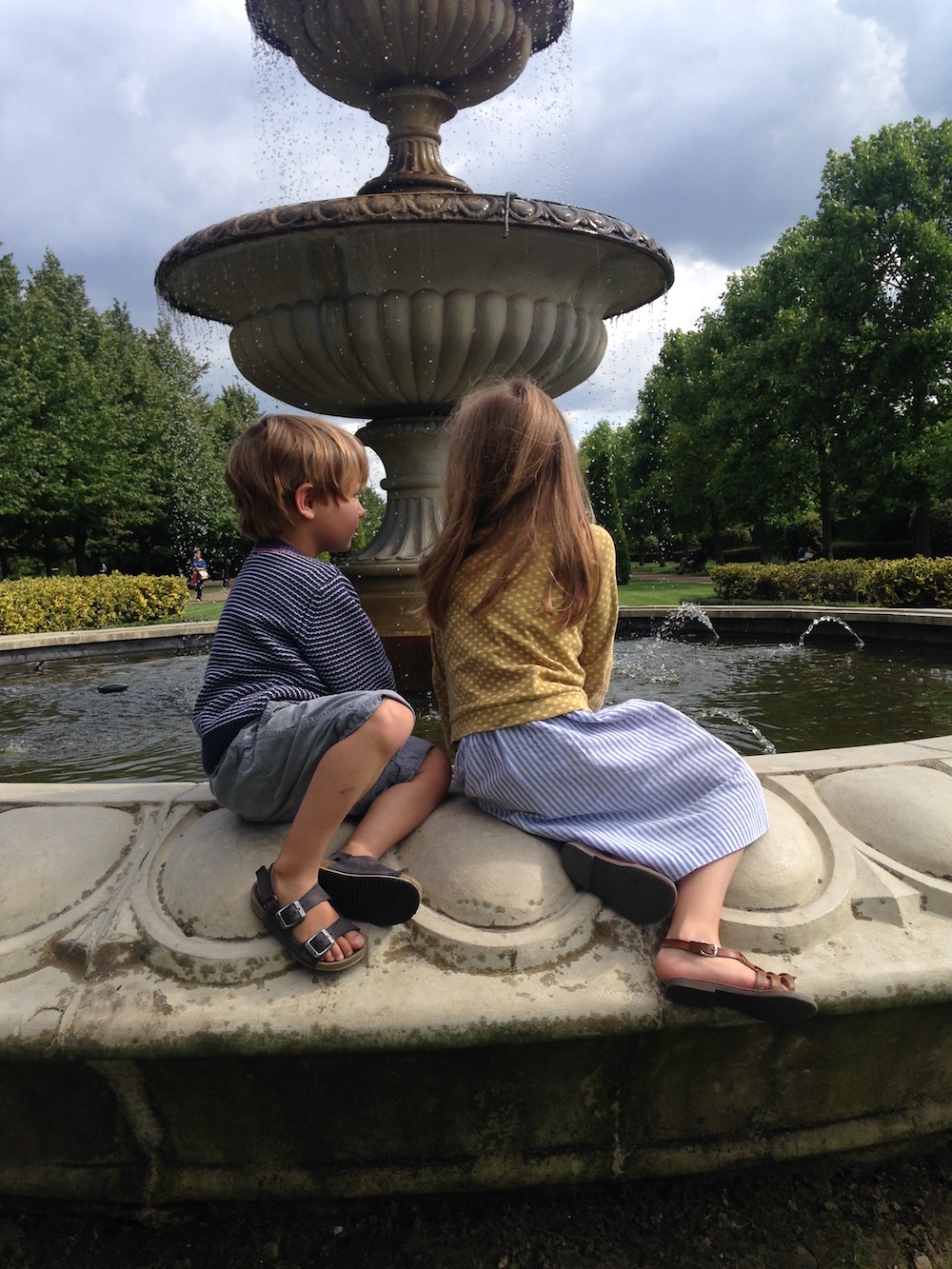 The kids at Regents Park Fountains