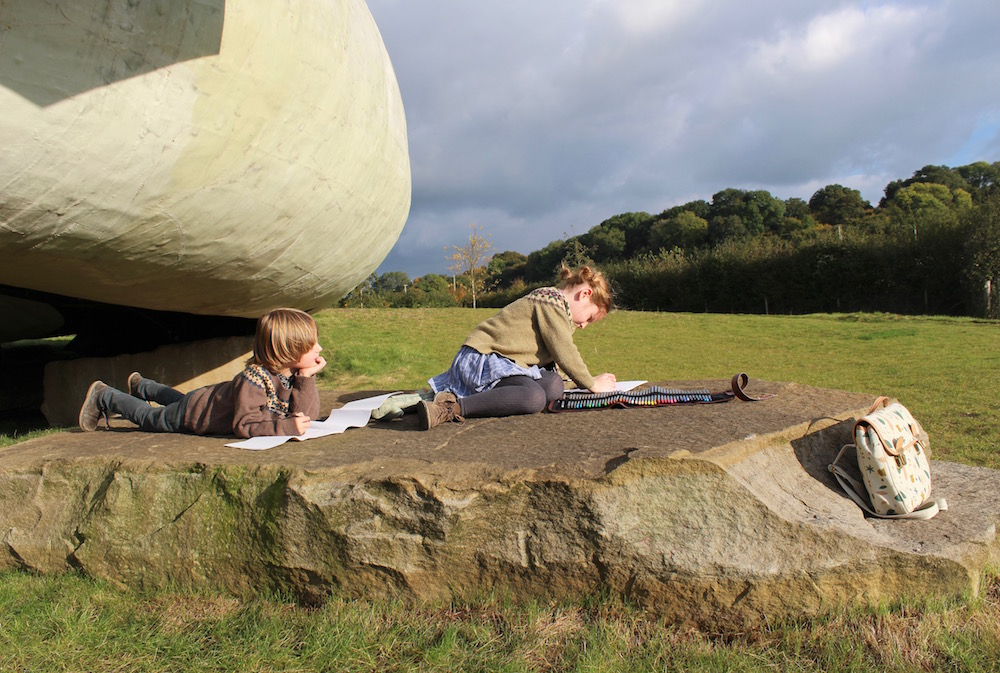 hauser-and-wirth-kids-sketching