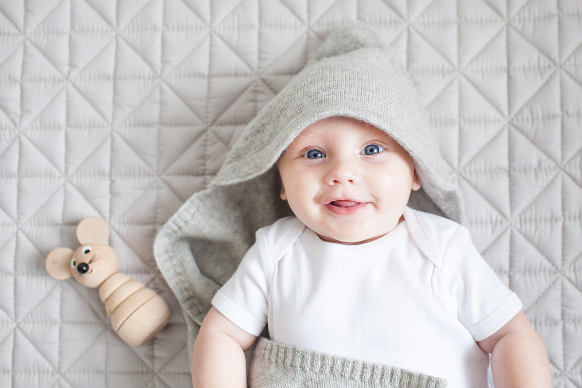 molly-moo-hooded-blanket-and-quilt