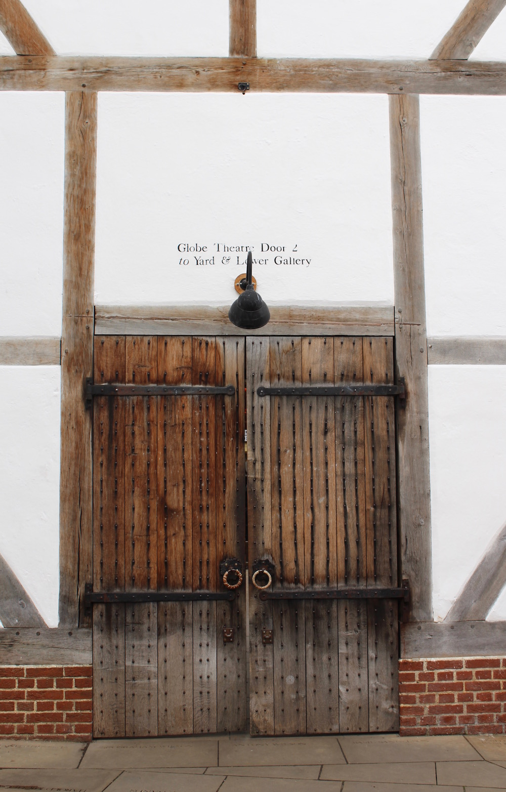 shakespeares-globe-theatre-door
