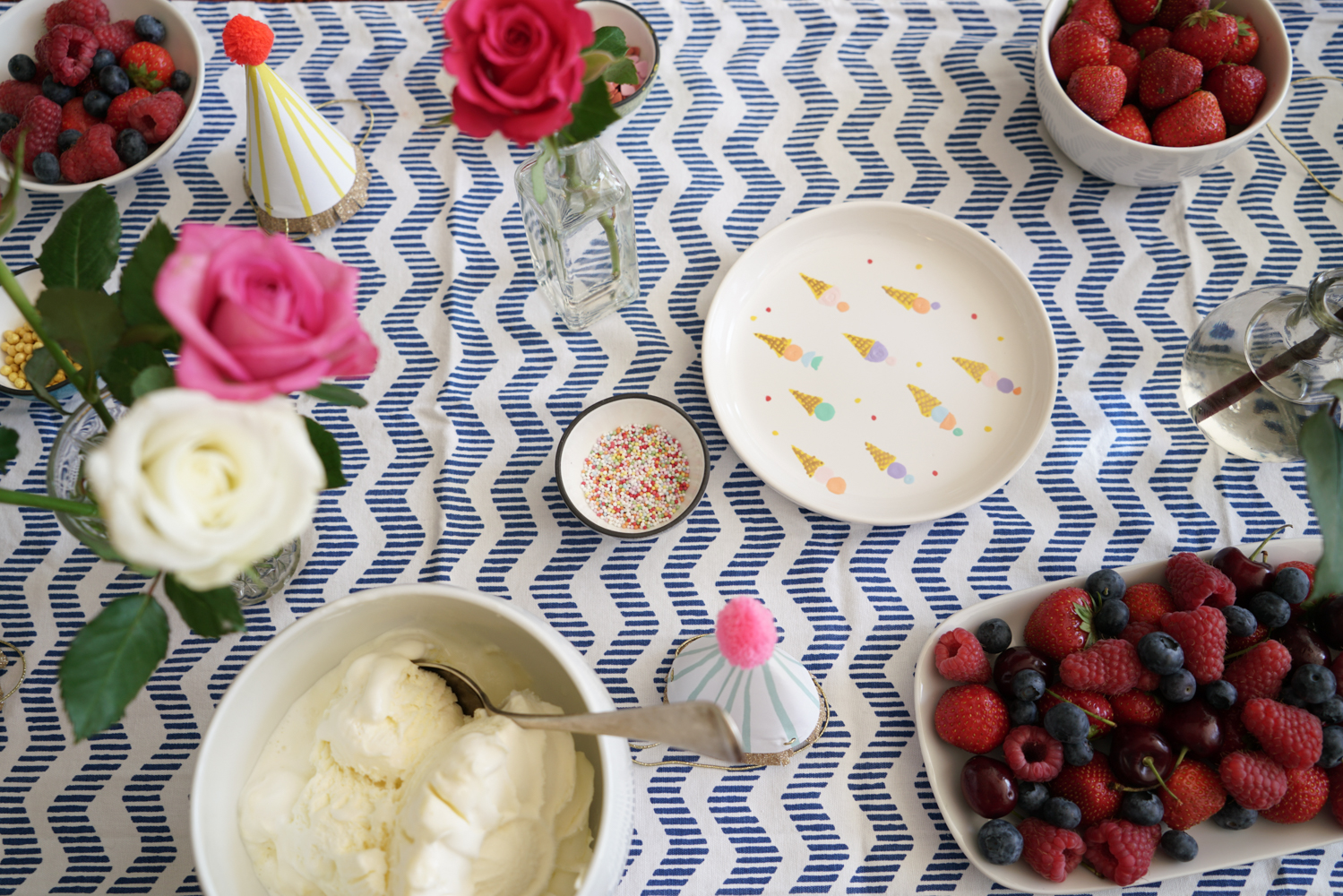 ice-cream party table