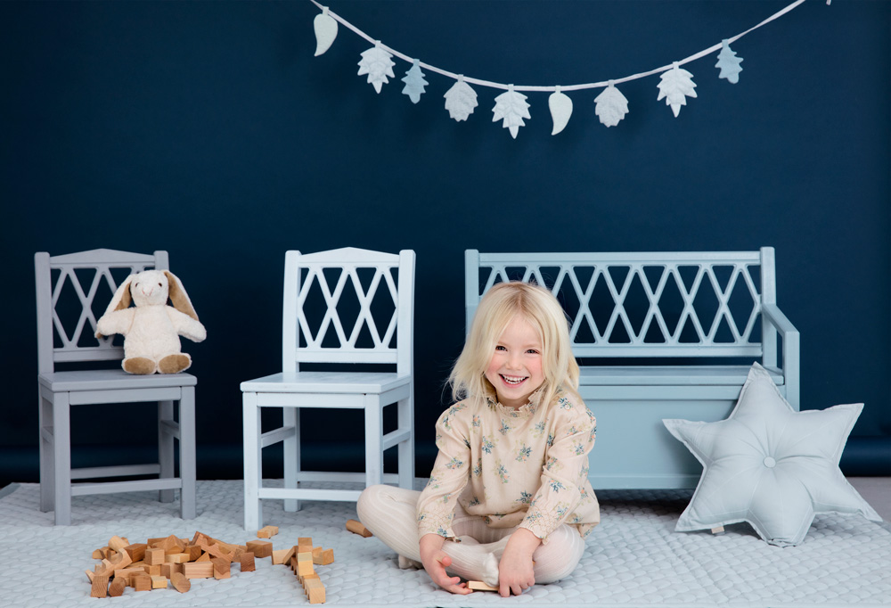designer children bench bunting