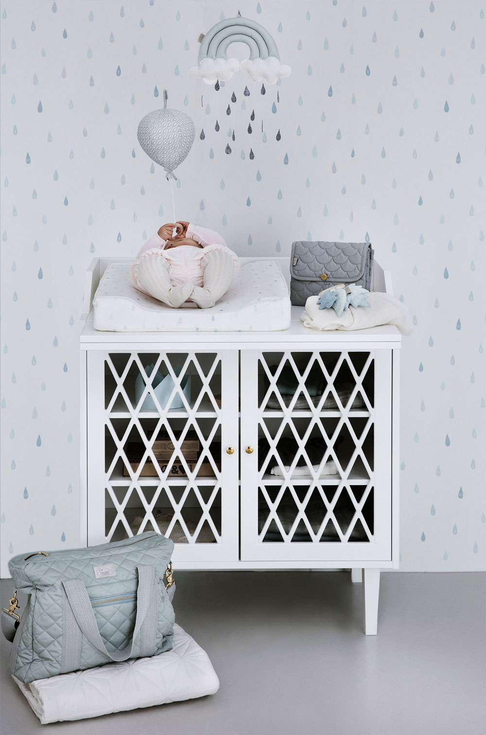 baby change station multifunctional cabinet
