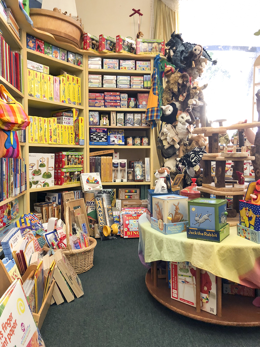 the acorn toy store a favourite toy shop in santa monica ca babyccino kids daily tips. Black Bedroom Furniture Sets. Home Design Ideas