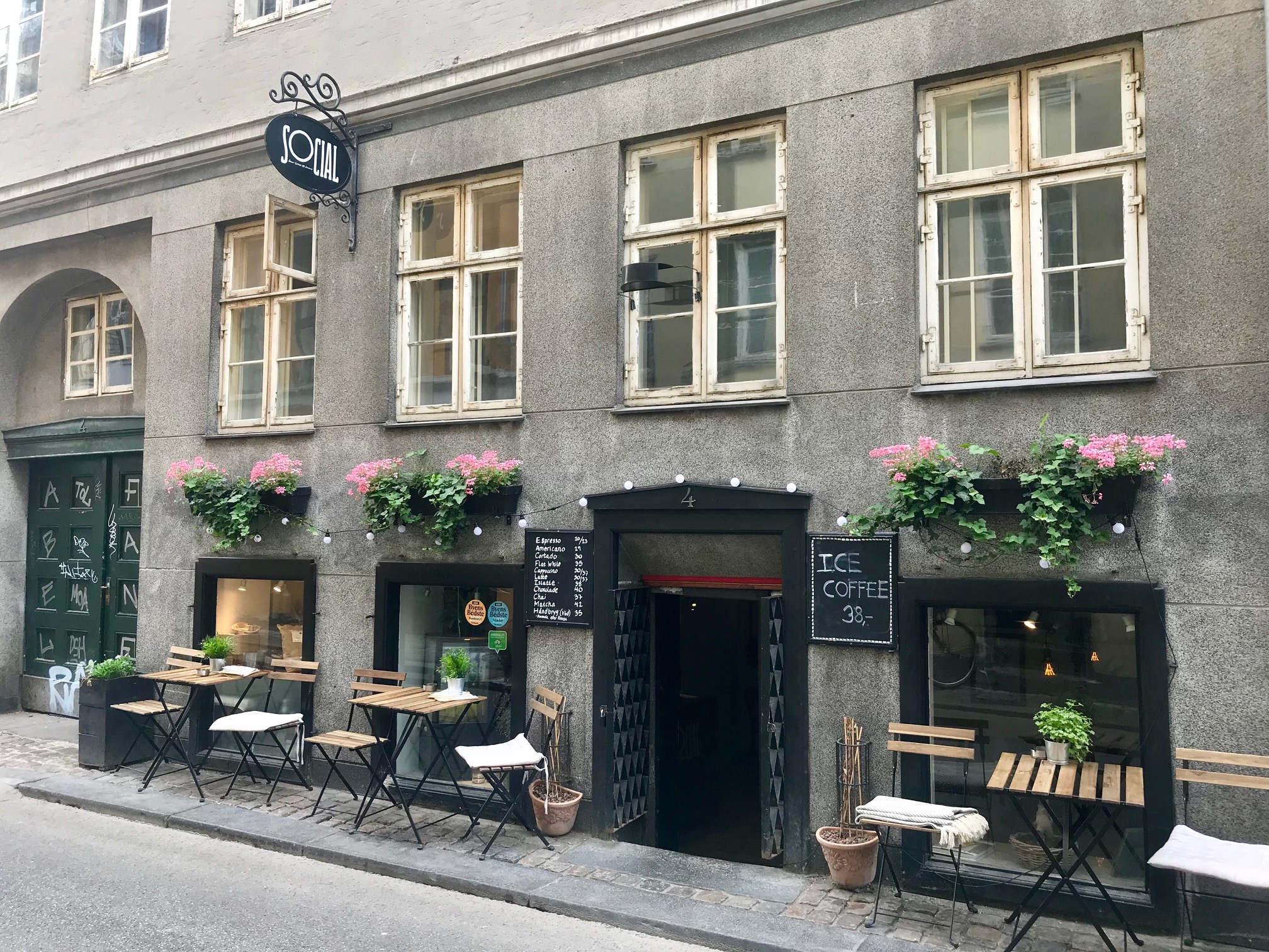 exterior-of-cafe-social-coffee-copenhagen