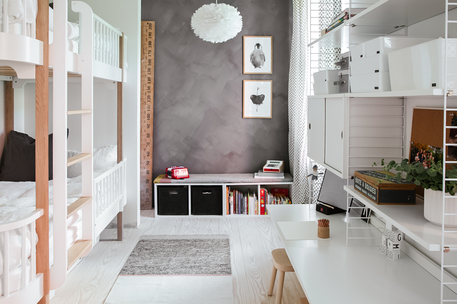 scandinavian-childrens-bedroom-grey-and-white