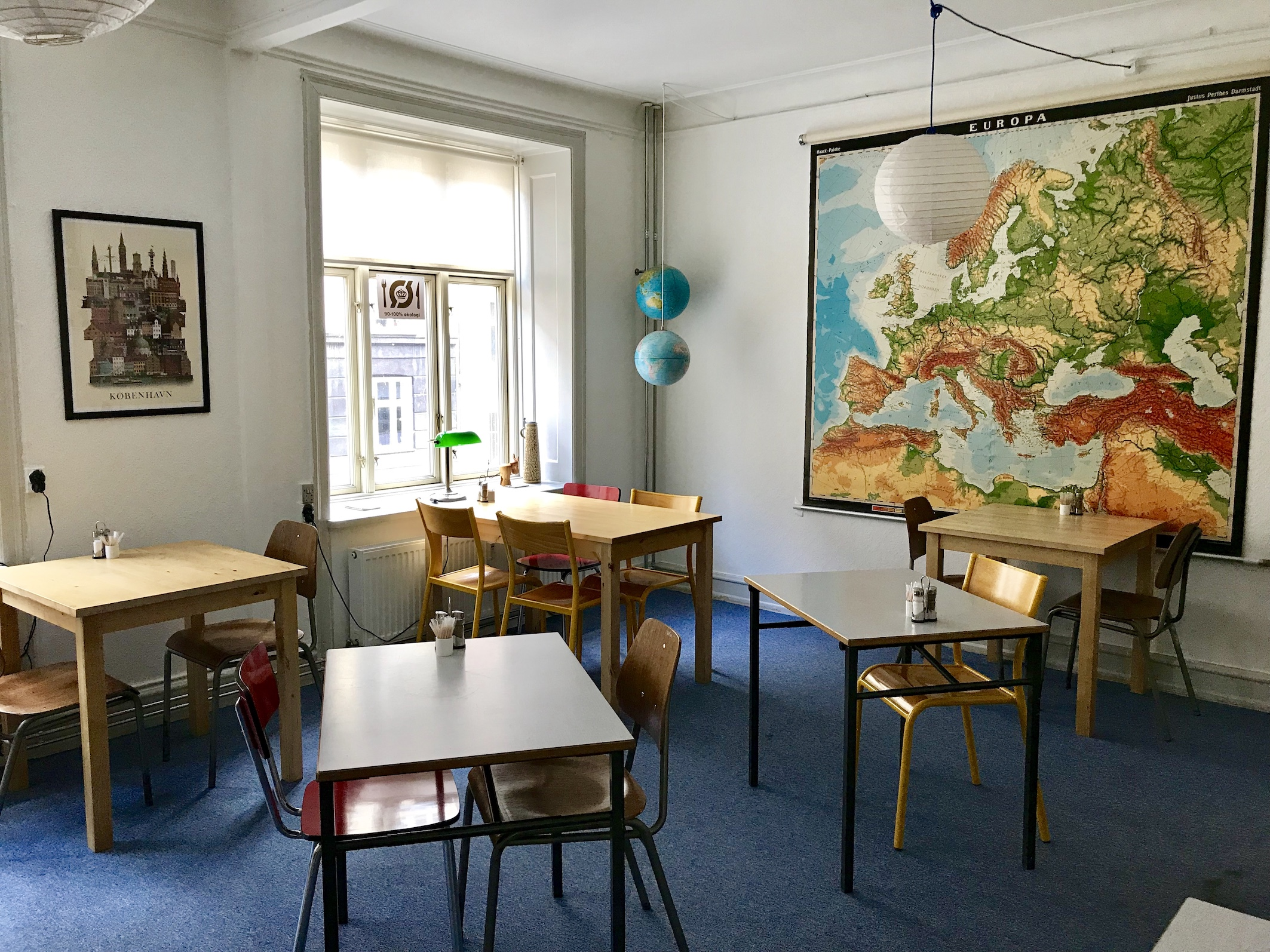 dining-room-decorated-vintage-denmark-map-copenhagen